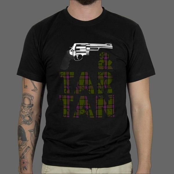 Majica ili Hoodie Tartan & Gun 1